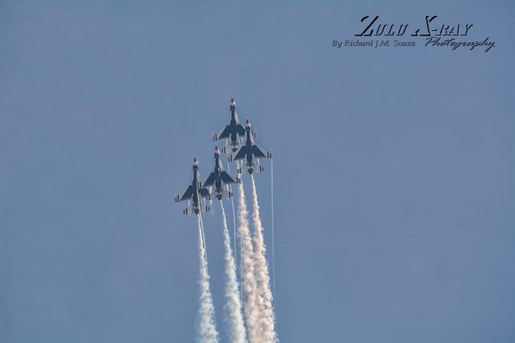 USAF Thunderbirds - Enroute To The Bomb Burst