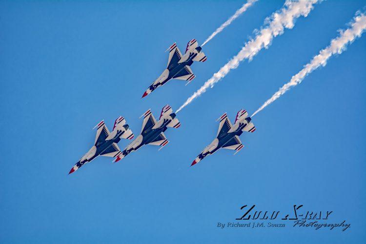 USAF Thunderbirds - Diamond Pass